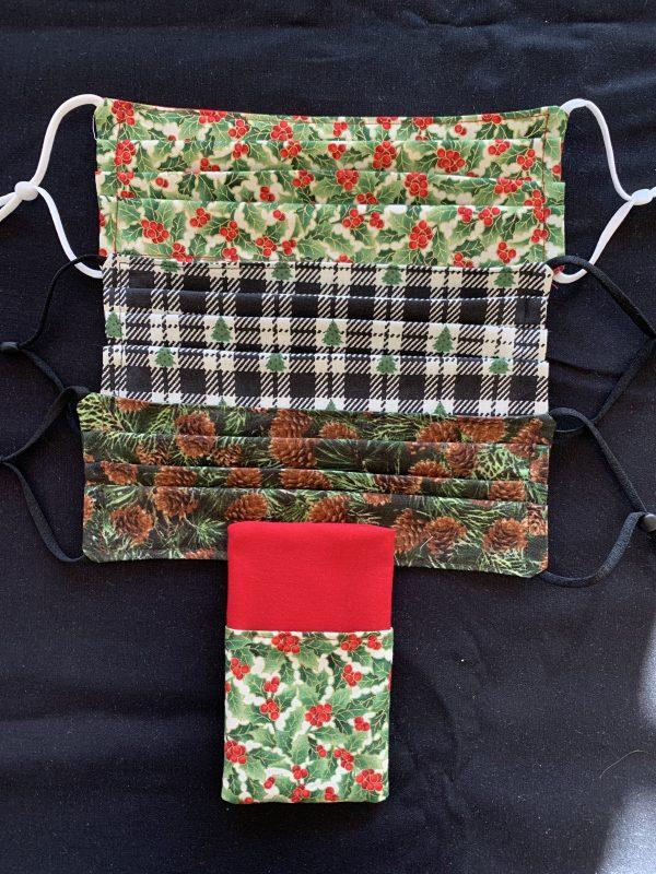 Holly/pinecone/Christmas tree